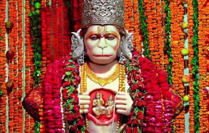 ऑनलाइन चालीसा व आरती के साथ लखनऊ के मंदिरों में हुई बजरंग बली की पूजा